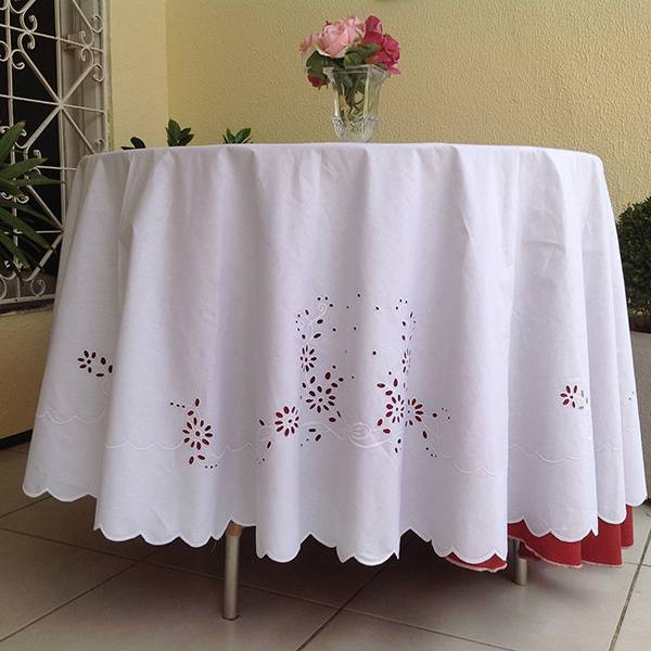Toalha de Mesa Percal 230 Fios 2,10m Bordado Richelieu Margaridas Redonda  - Bordados do Ceará - Jutnet