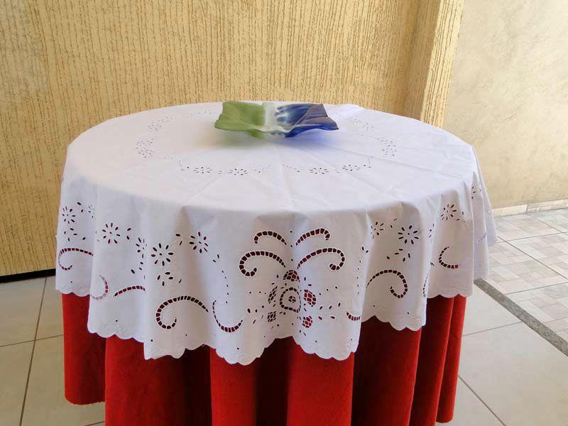 Toalha de Mesa Redonda Percal 230 Fios 1,60m Bordado Richelieu Primavera  - Bordados do Ceará - Jutnet