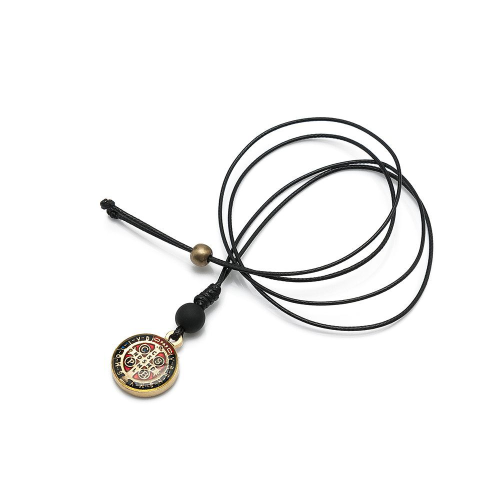 Colar Medalha de São Bento Resinada Dourada - LUMEN