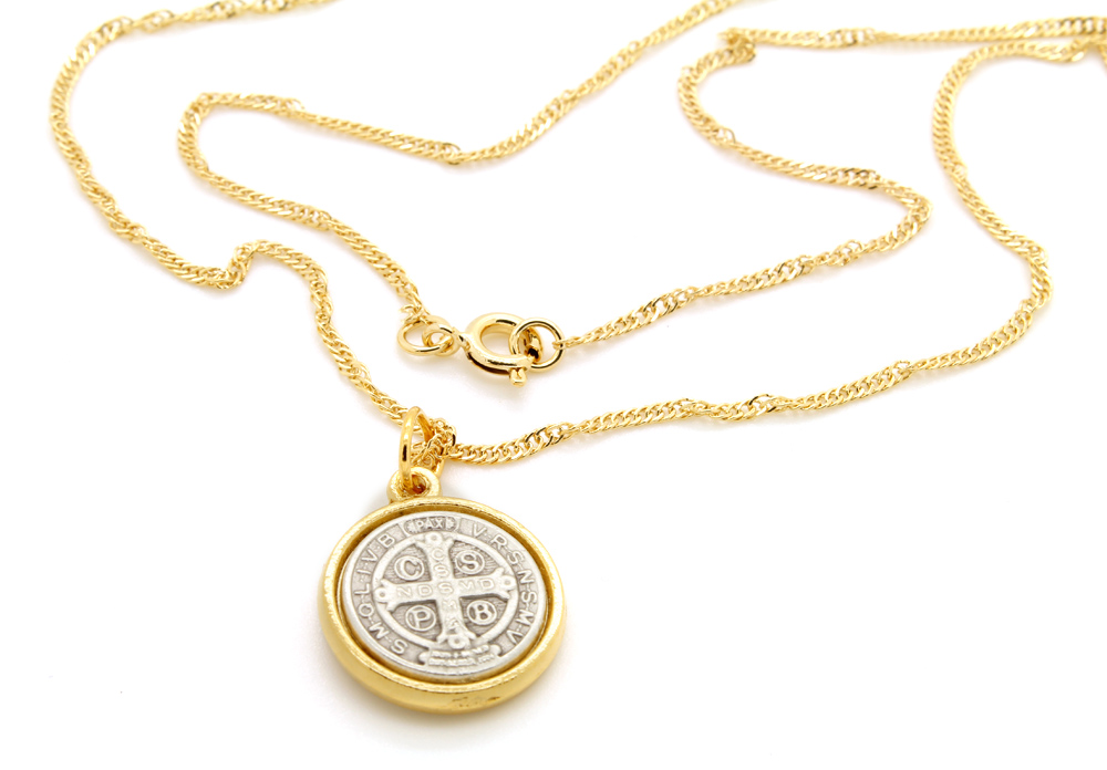 Corrente Colar com Medalha de São Bento - Folheada Prata e Ouro