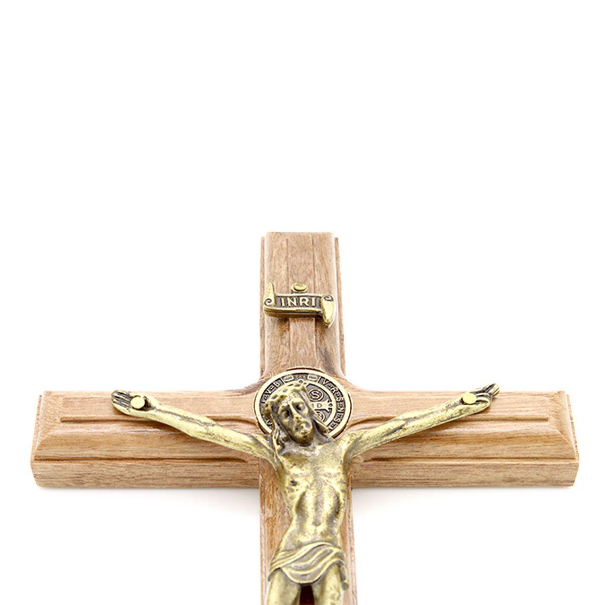 Crucifixo com Medalha de São Bento - 19cm