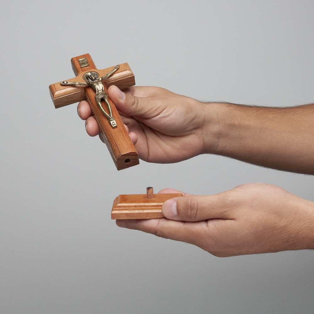 Crucifixo de Mesa 17cm Com São Bento OV