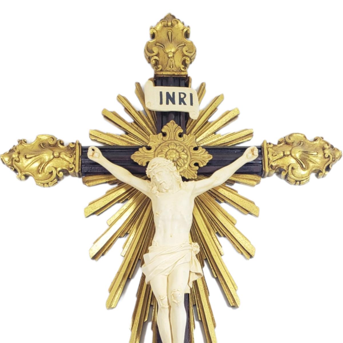 Crucifixo De Resina Barroco Estilo Antigo Cor Marfim