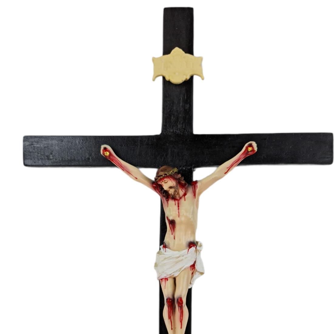 Crucifixo Tradicional 36cm Cruz De Madeira Imagem Resina Policromado