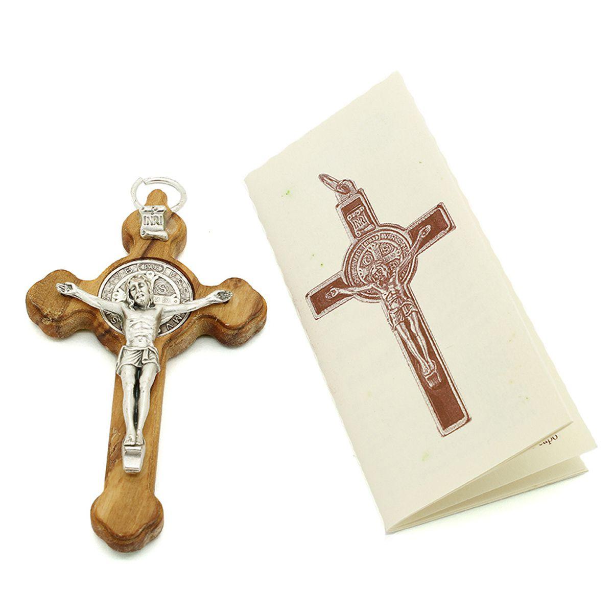 Cruz de Madeira Oliva com medalha de São Bento 8cm