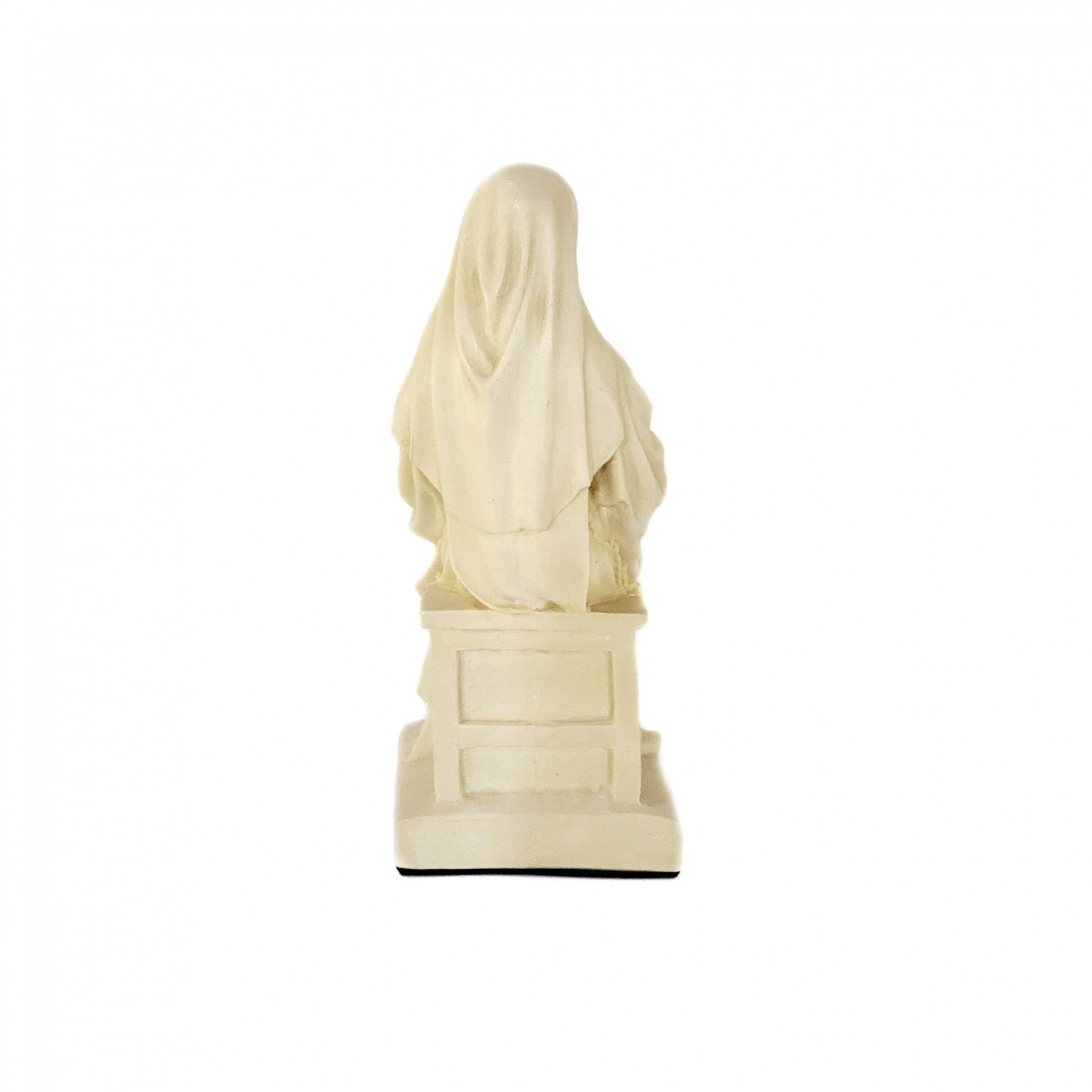 Imagem Santa Teresinha do Menino Jesus Sentada Branca
