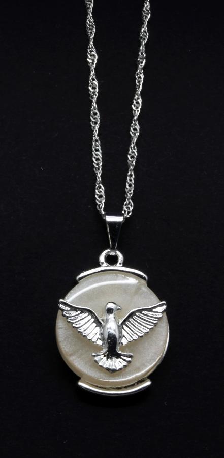 Medalha Espírito Santo Folheada a Prata com Madre Pérola  - na corrente