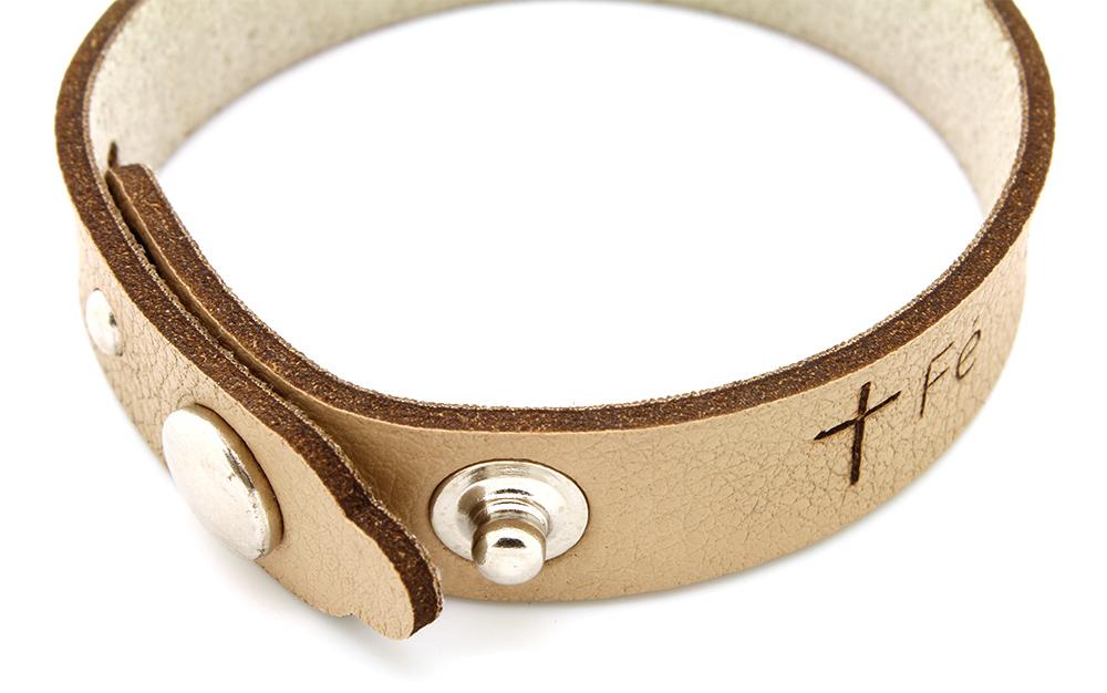 Pulseira Bracelete de Couro Sintético Fé, Caridade e Esperança