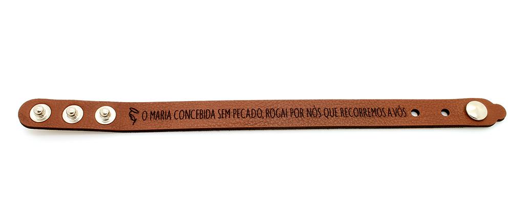 Pulseira Bracelete de Couro Sintético  Maria Concebida sem Pecado, Rogai por nós