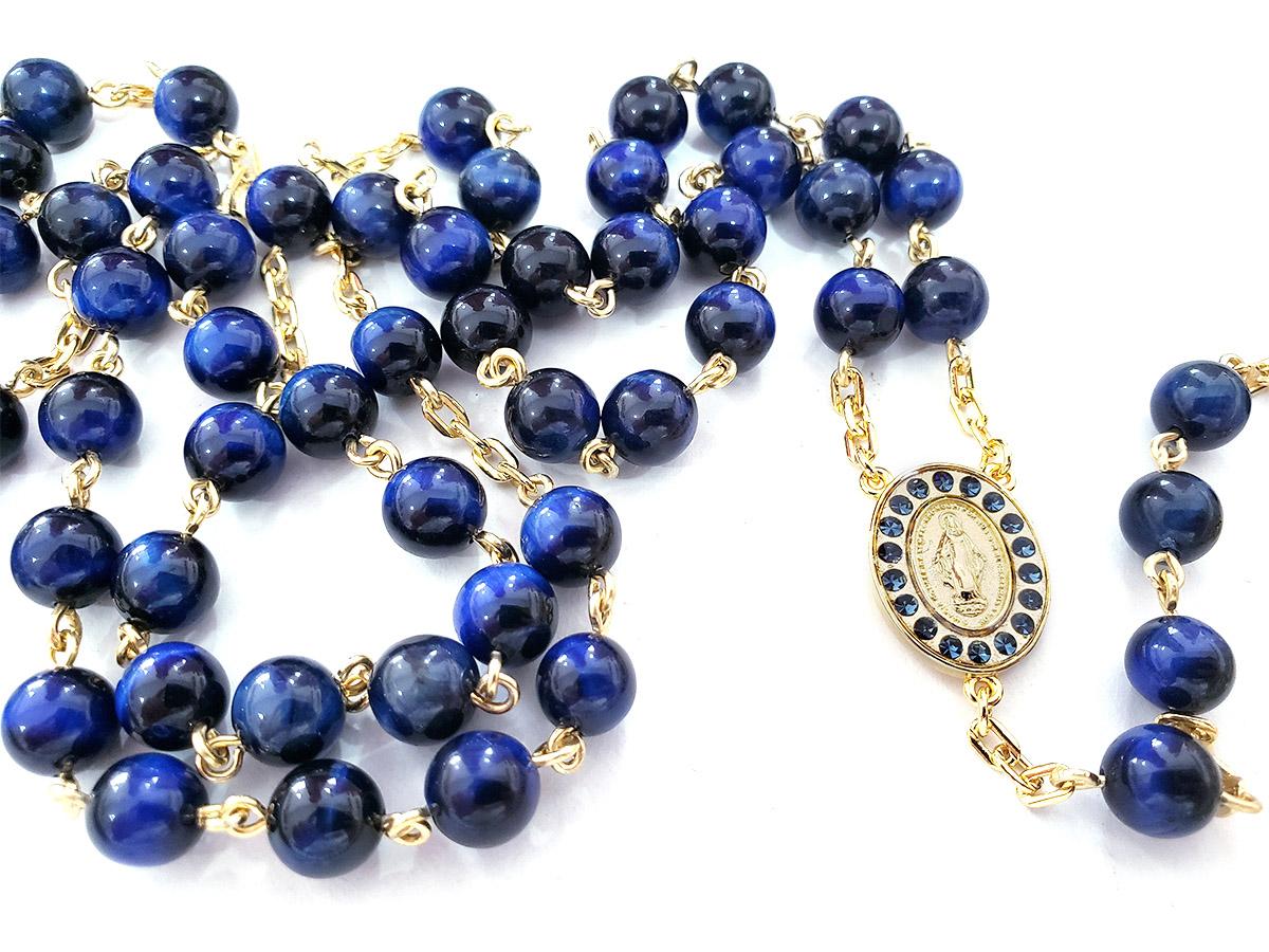 Terço de Pedra Natural Olho de Tigre Tonalizada Azul Banho de Ouro