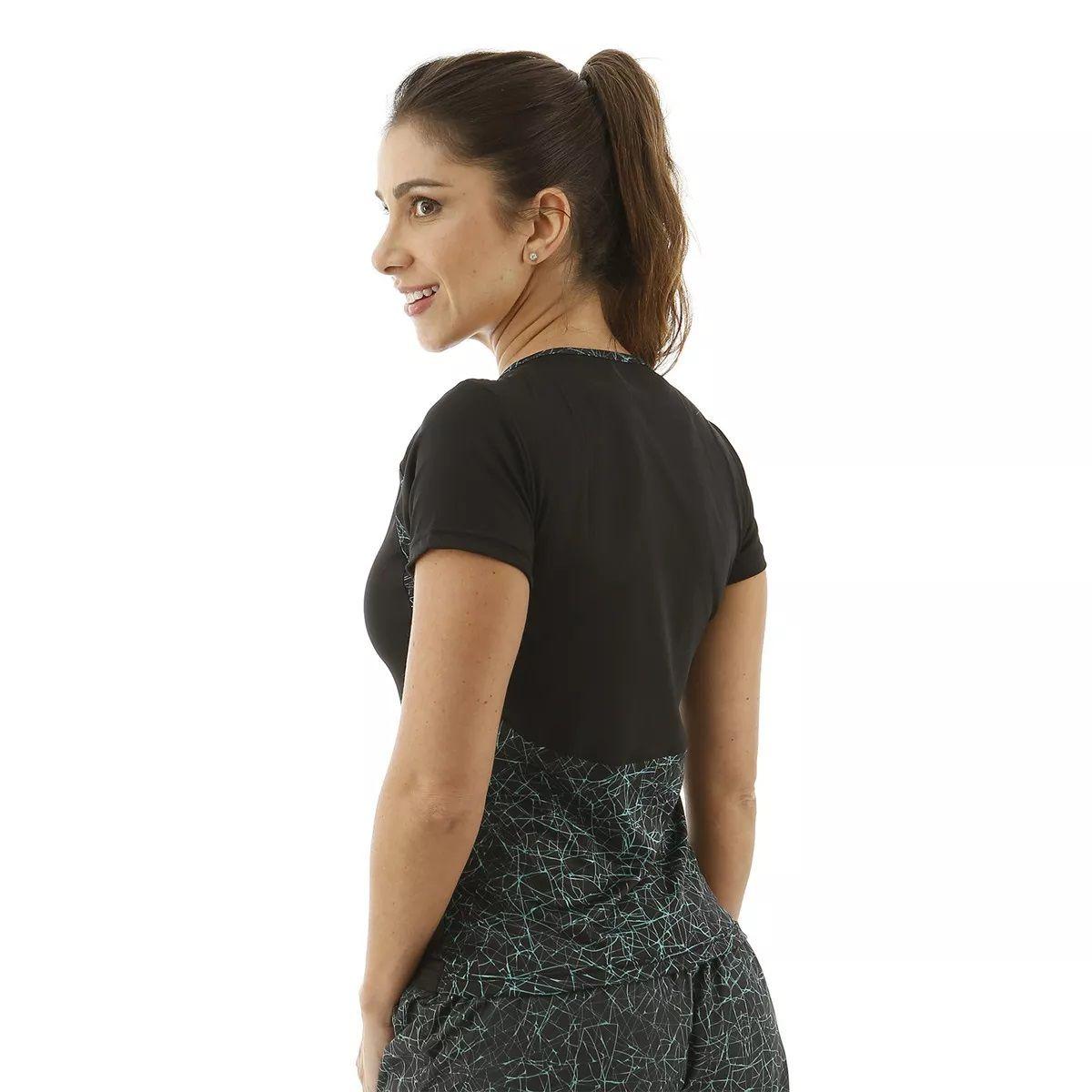 Short feminino Everlast preto com detalhes em verde