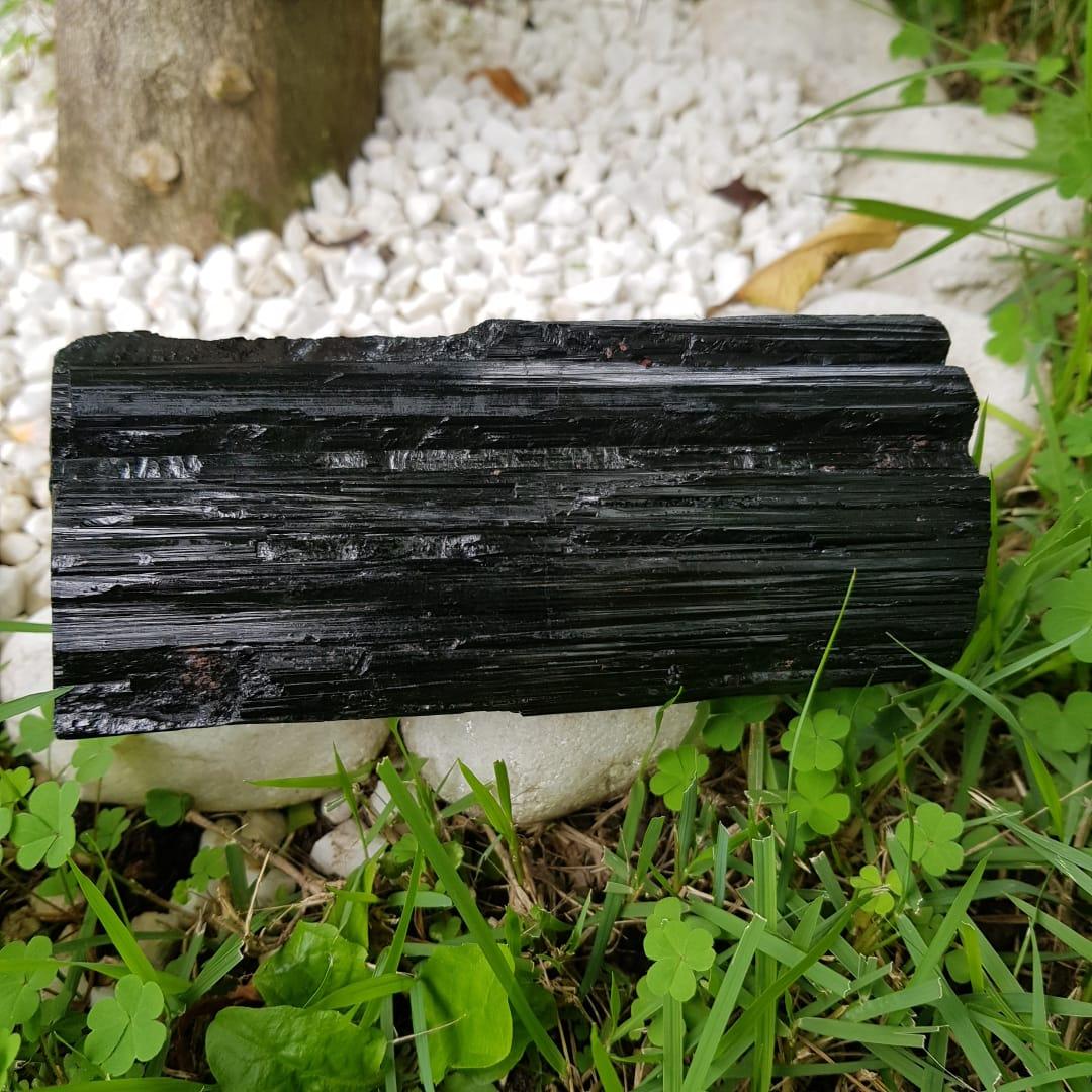 Cristal - Bruto - Turmalina Negra Bloqueia Energias Negativas