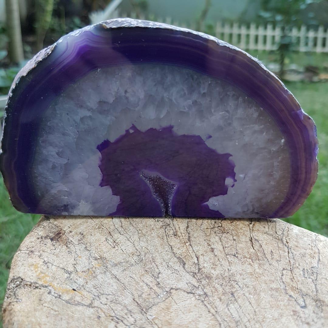 Cristal Geodo Ágata Roxa e Cristalização Quartzo Branco
