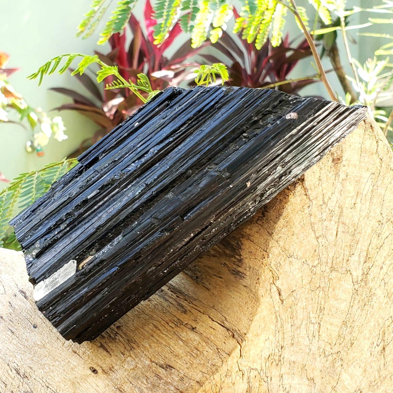 Cristal - Pedra Bruta - Turmalina Negra - Repele Energias Negativas