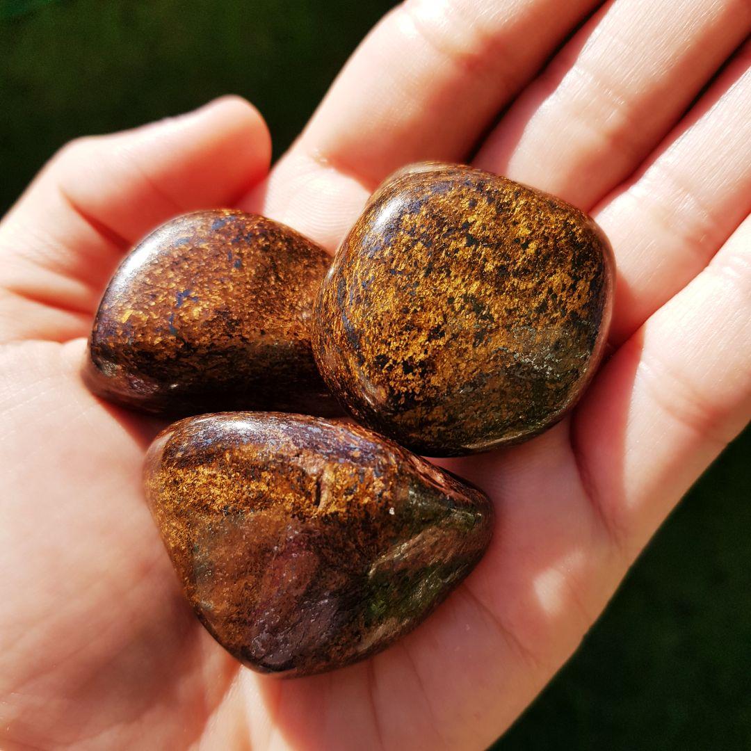 Cristal - Pedra Rolada - Bronzita - Amuleto Mágico Protetor