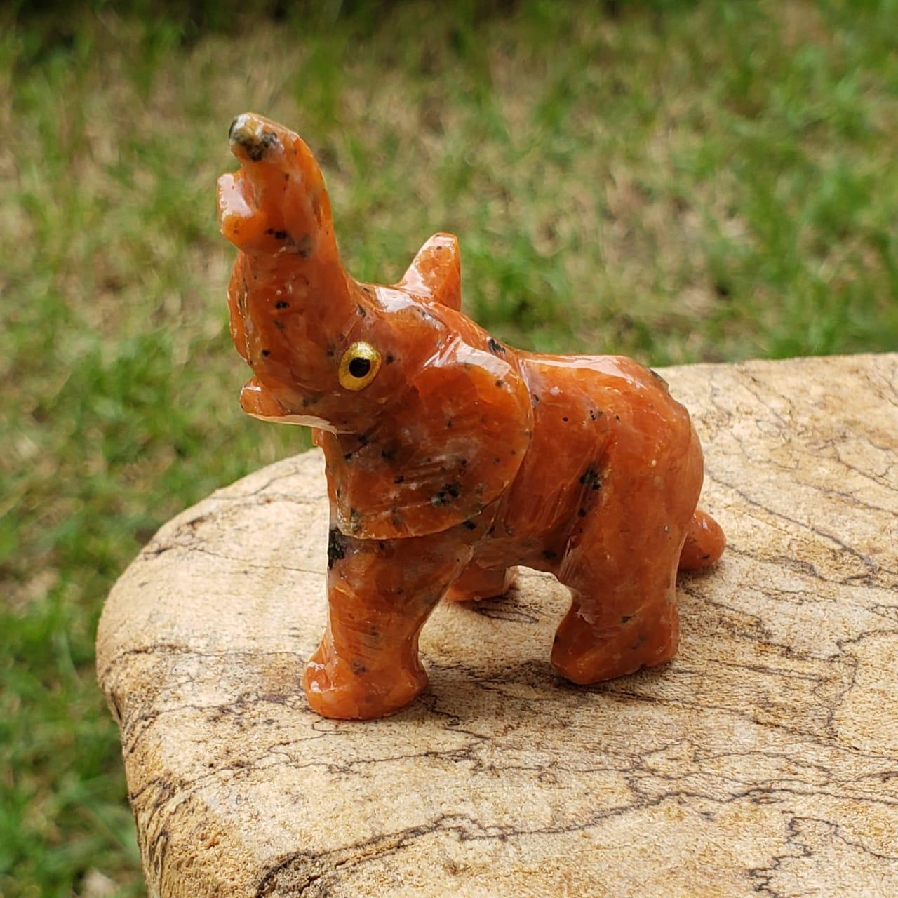 Elefante de Pedra Calcita laranja