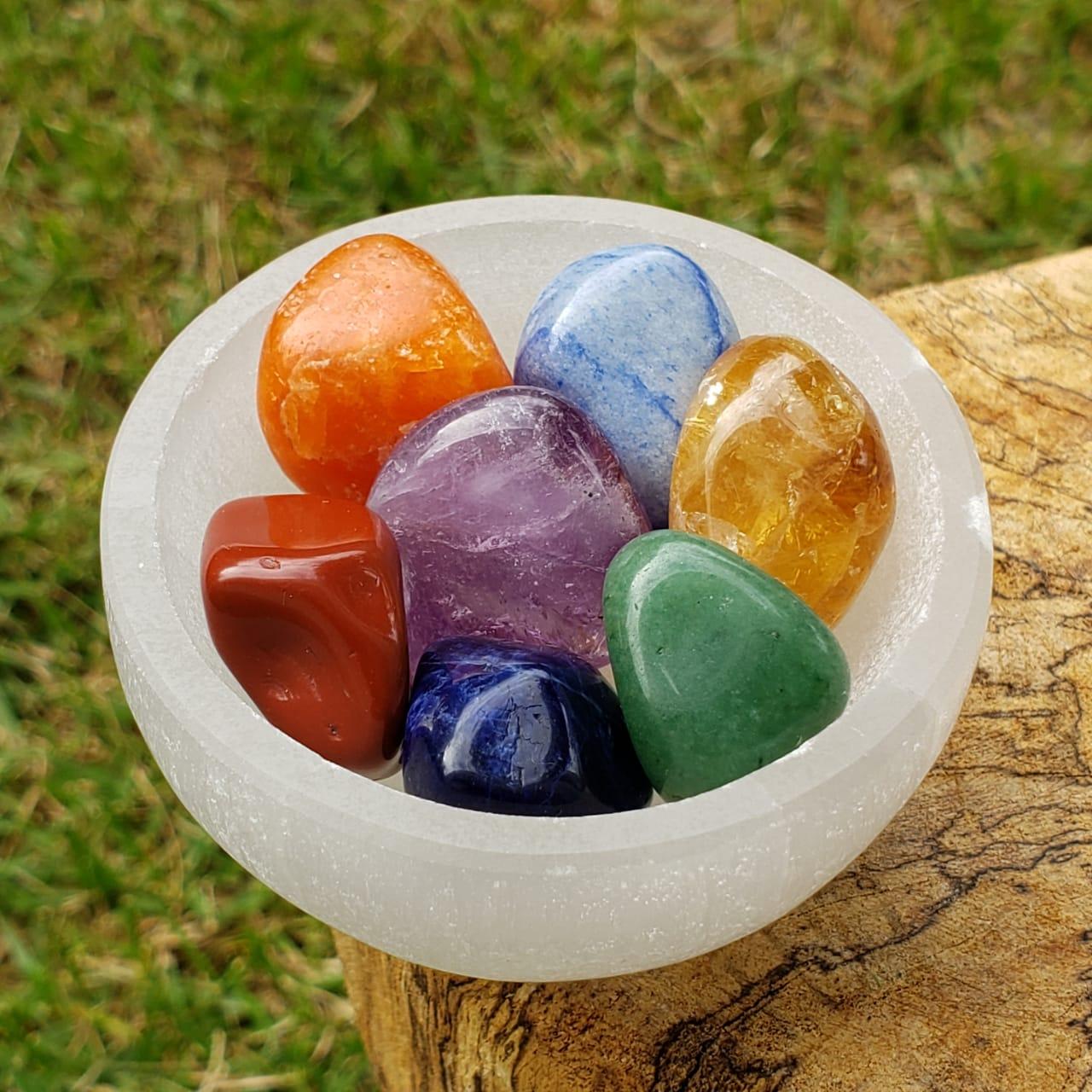 Pedra dos 7 Chakras com Suporte de Selenita - Pequeno