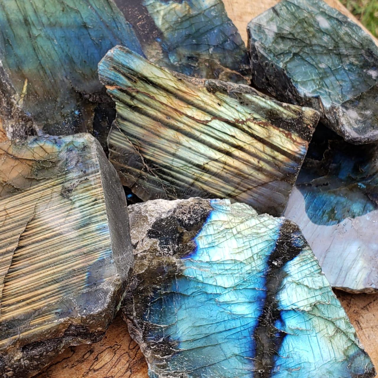 Pedra Labradorita Semi-Polida