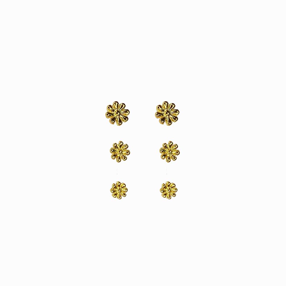 Brinco trio de Margaridas Folheado a Ouro 18k  - Constelação Jóias