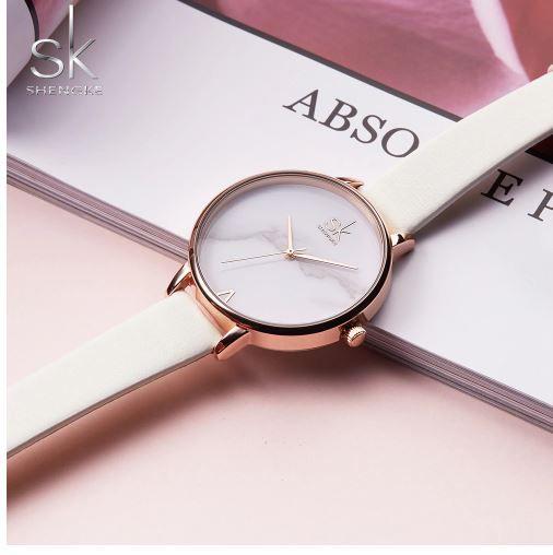 c01c2556725 Relógio Feminino Inox Casual Pulseira Couro 30m - Preto - FRC Magazine