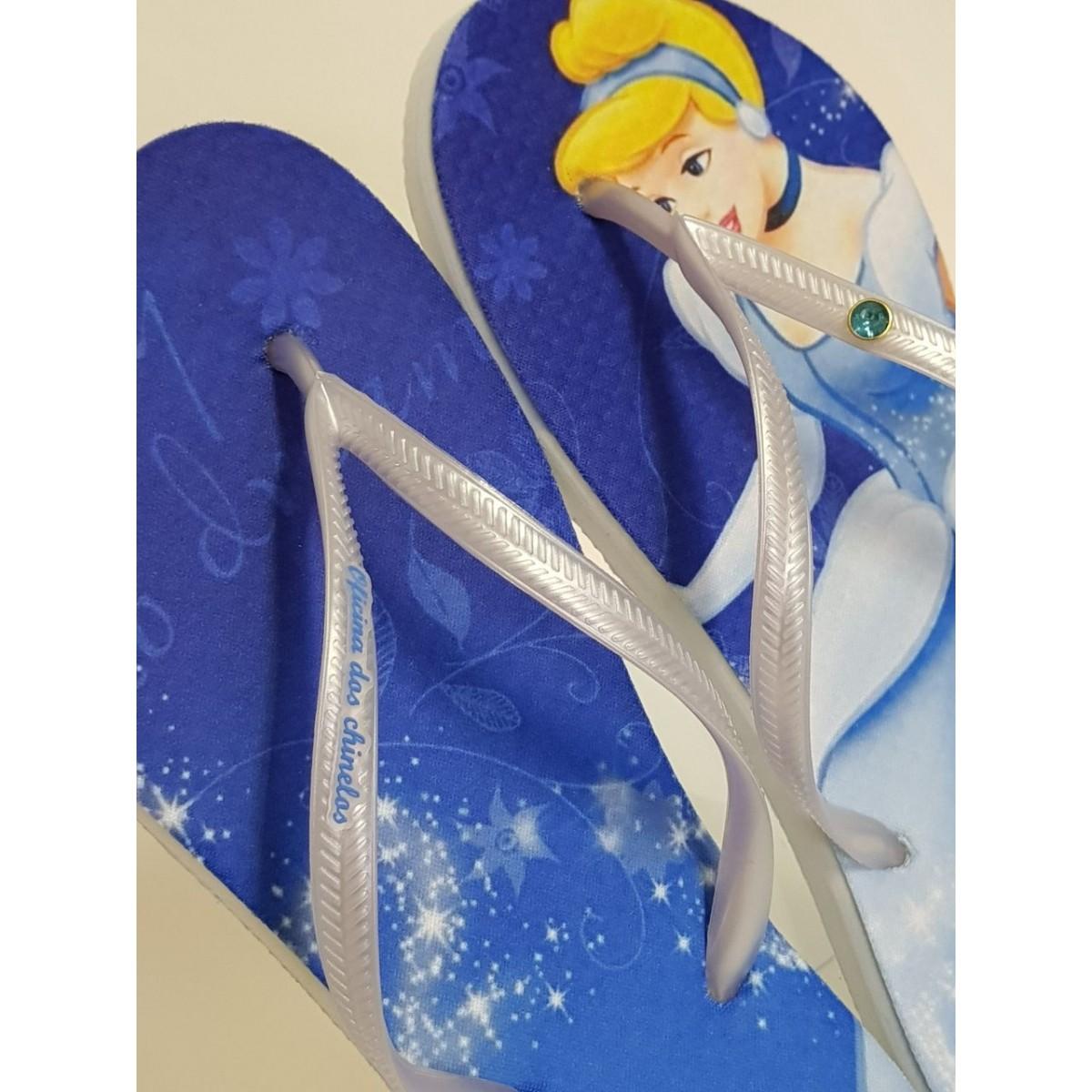 Princesa Cinderela com fundo azul noite