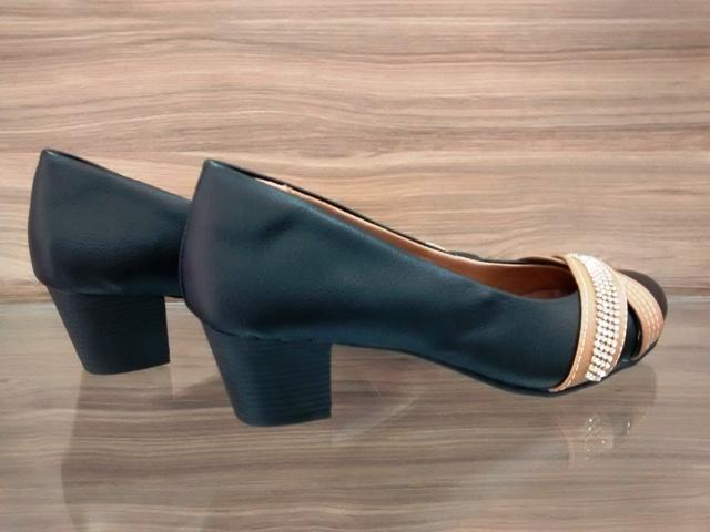 Sapato Cruzado Strass