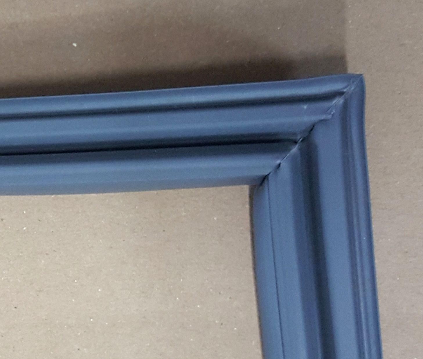 Borracha de Freezer Metalfrio DA550 Medidas 61 x 82 cm - Encaixe na Tampa ** CONFIRA AS MEDIDAS **