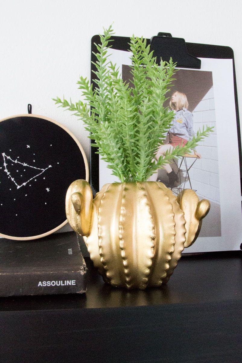 Vaso Decor Cacto Ouro