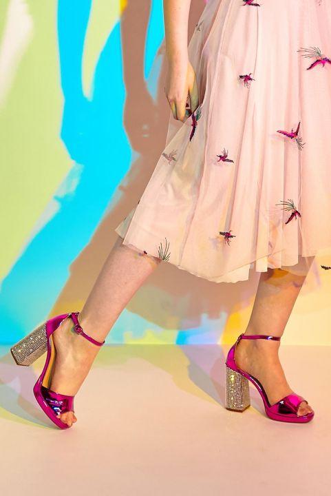 Sandália Pink Metalizada Salto Strass