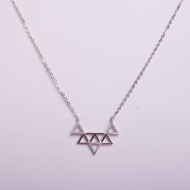 Semi joias Colar geométrico em ródio prateado