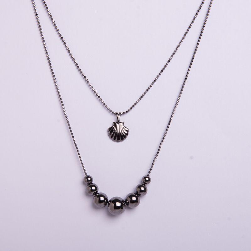 Colar semi jóia em ródio negro bolas e concha