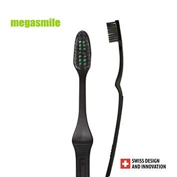 MegaSmile: Escova  Black Soft Whitening (2 escovas)