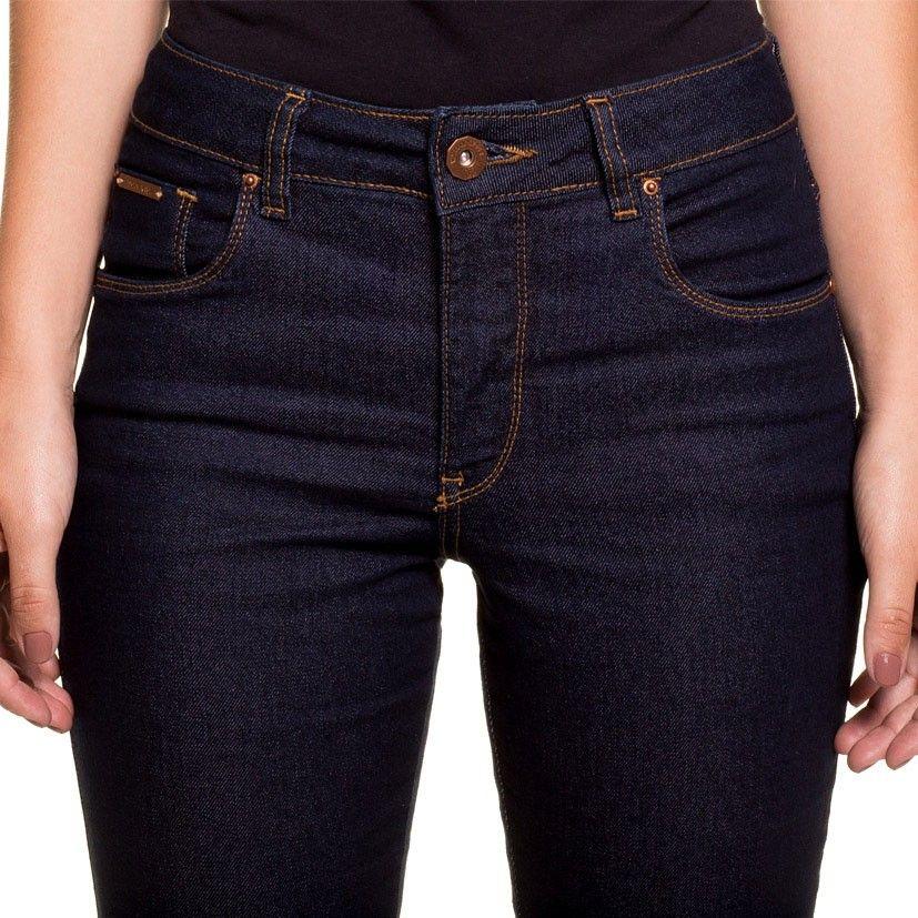 Calça Jeans Feminina Flare Escaramuça Portland