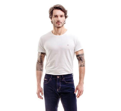 Camiseta Masculina Básica Escaramuça 1011