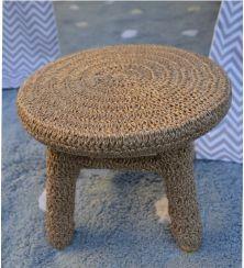 Banquinho Forrado em Crochet - Dourado