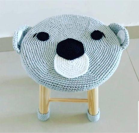 Banquinho Infantil Forrado em Crochet - Coala