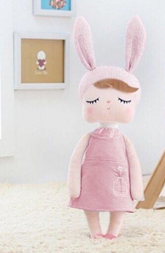 Boneca Metoo Angela Jardineira - Vestido Rosa 33 cm
