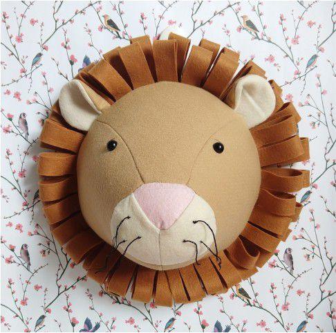 Cabeça de Parede Artesanal em Feltro Leão - Bege