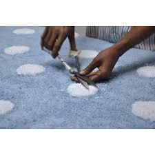 Tapete Lorena Canals Azul Claro com Bolas Brancas Topos - 1.20 x 1.60 m