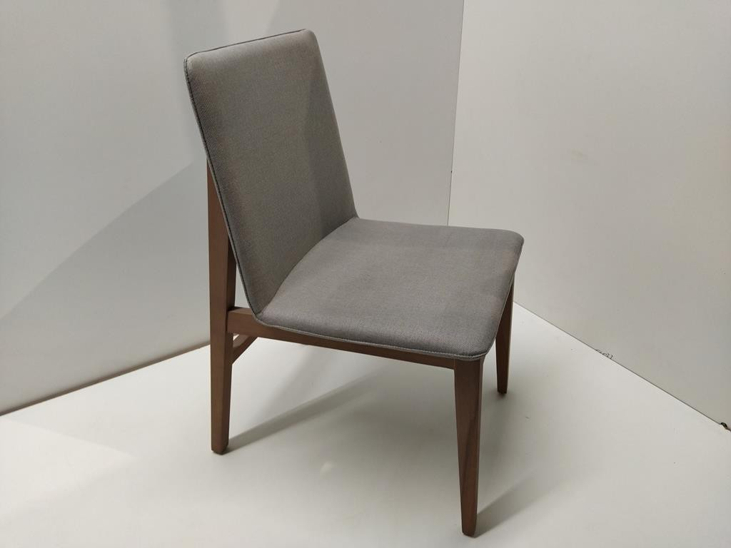 Cadeira Form (I)