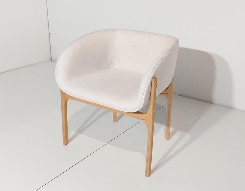 Cadeira Lilly (A)