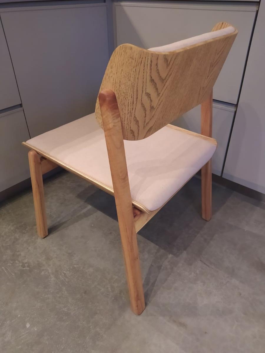 Cadeira Ray (A)