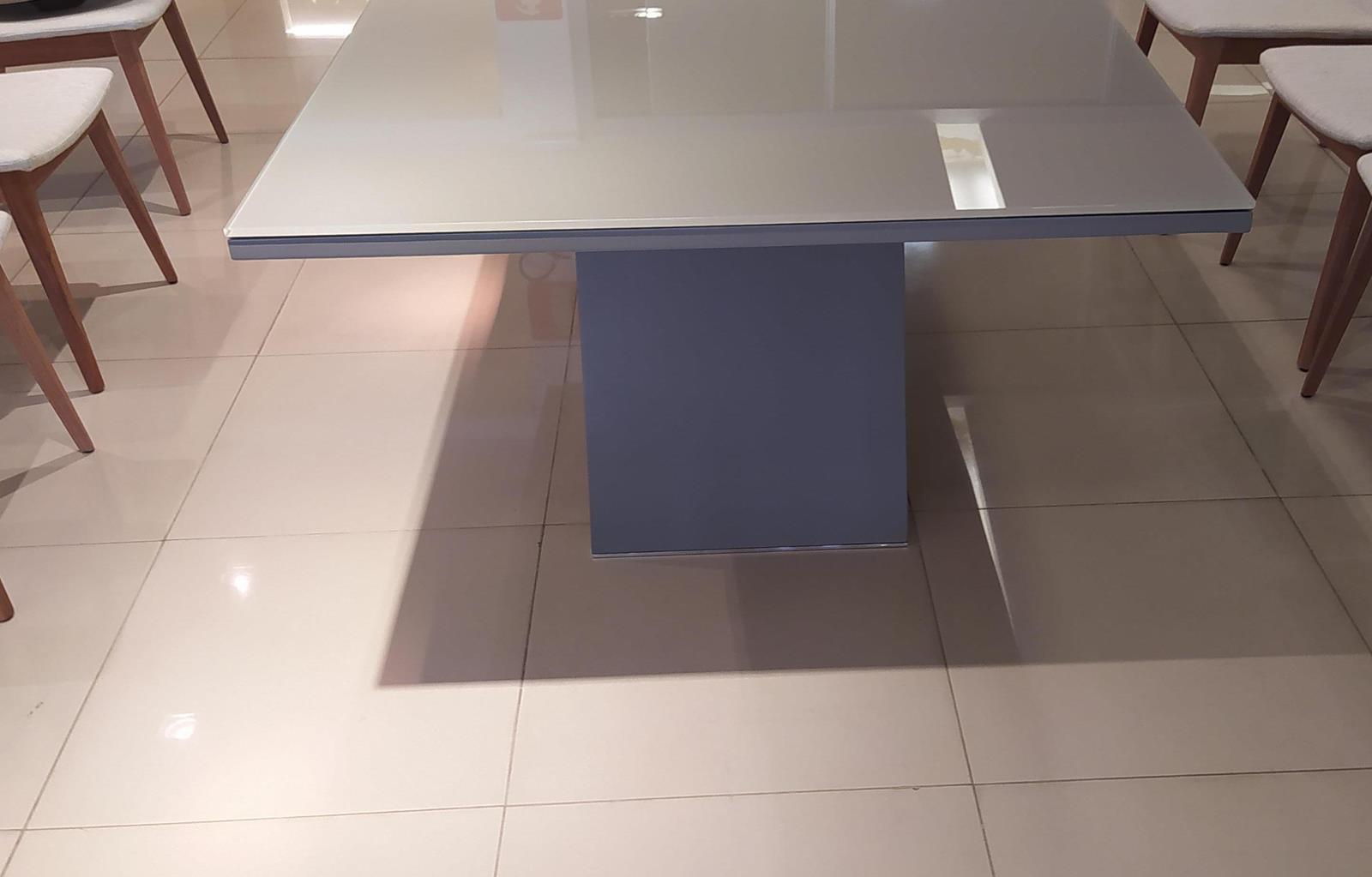 Mesa de Jantar Vetta (B)