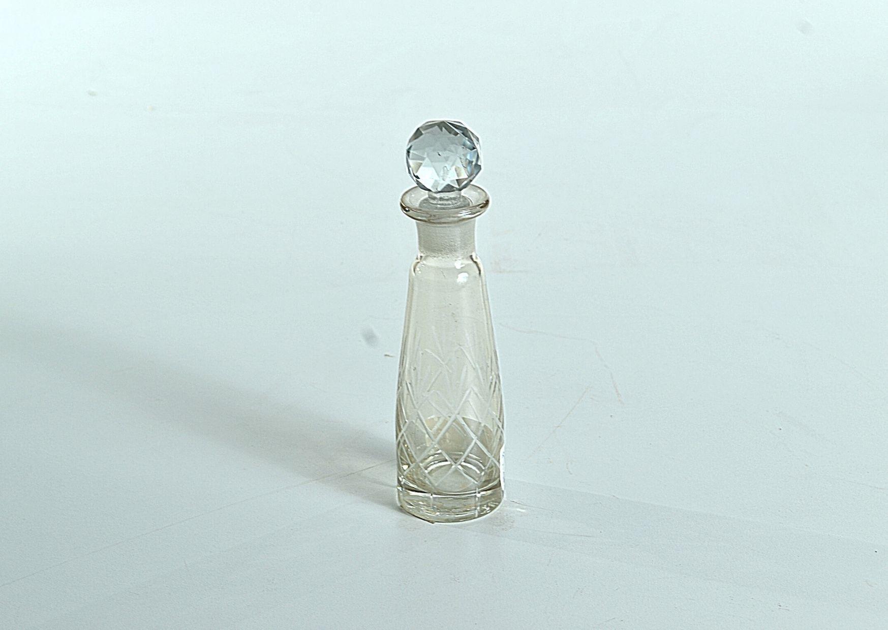 Perfumeiro Decorativo em Vidro (I)