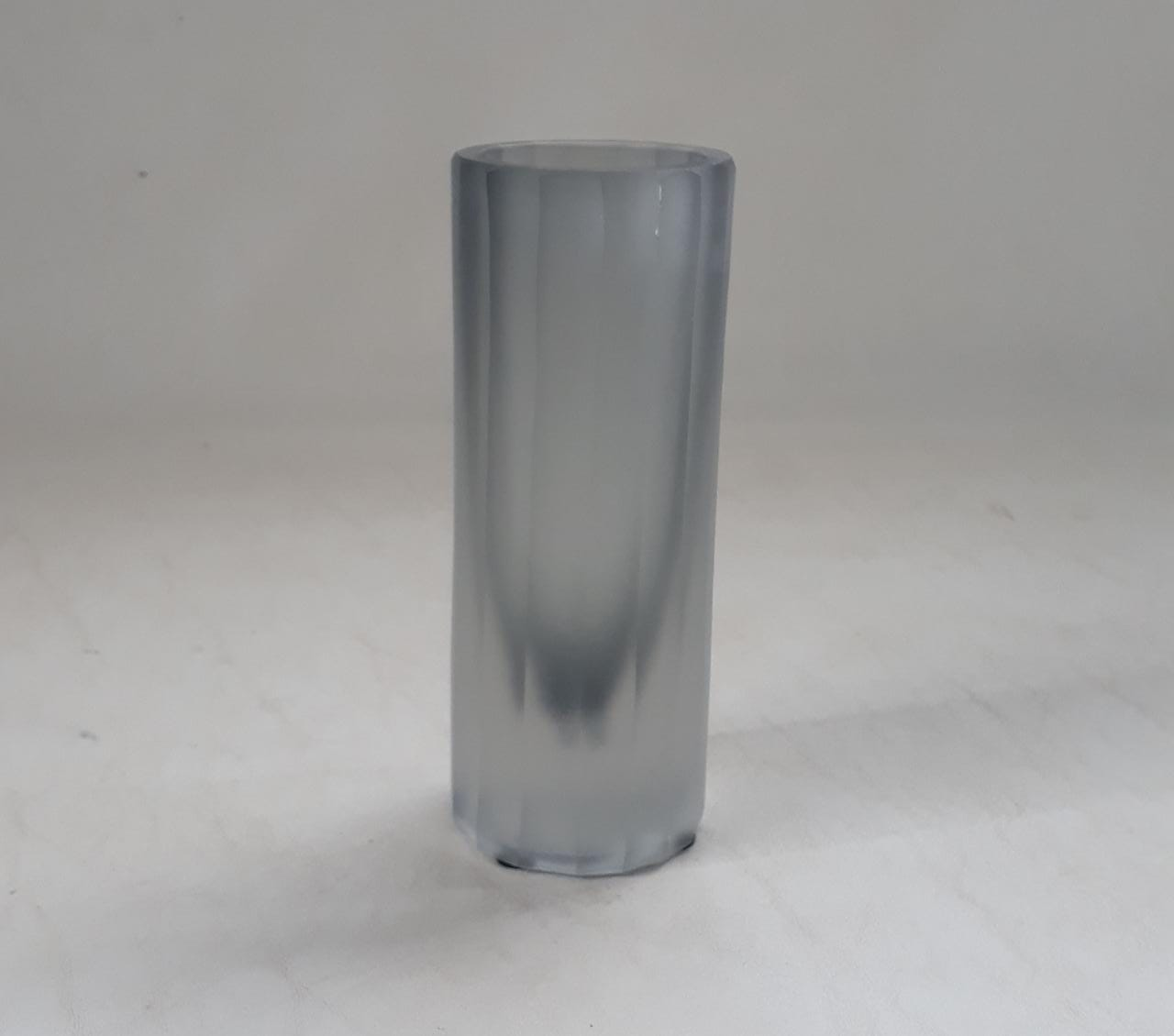 Vaso Cilindro Canelado Cinza Fosco (A)