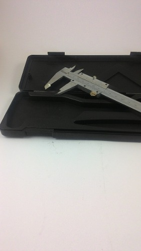 Paquímetro em aço Western 150mm profissional com estojo