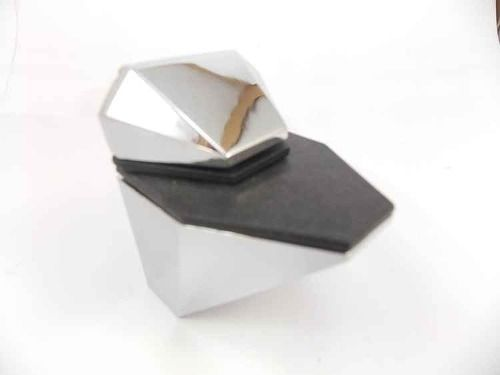 Suporte bico de diamante cromado