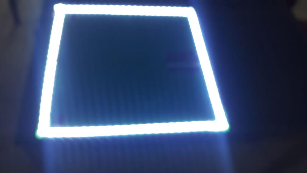 Espelho Lapidado Com Bisotê com LED - 40x40cm
