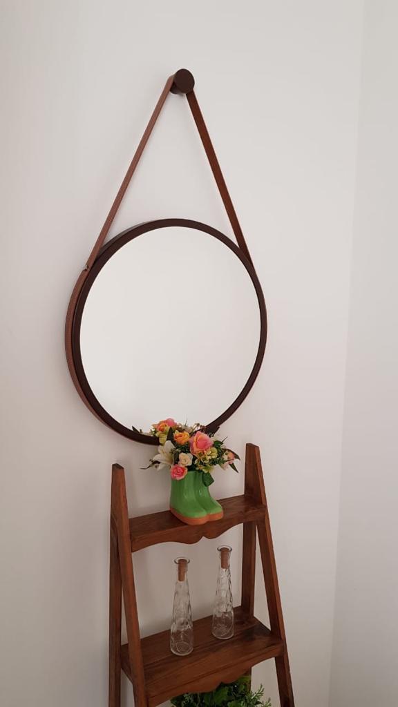Espelho Redondo Adnet Preto Com Alça De Couro Marrom