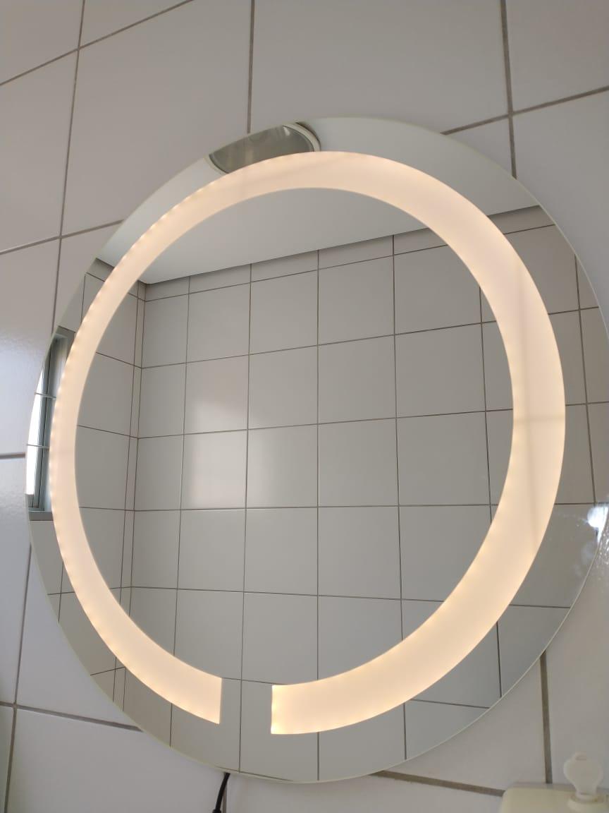 Espelho redondo jateado com led neutro 50cm